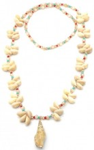 F-B22.1 N536-003 Long Necklace Shells and Beads